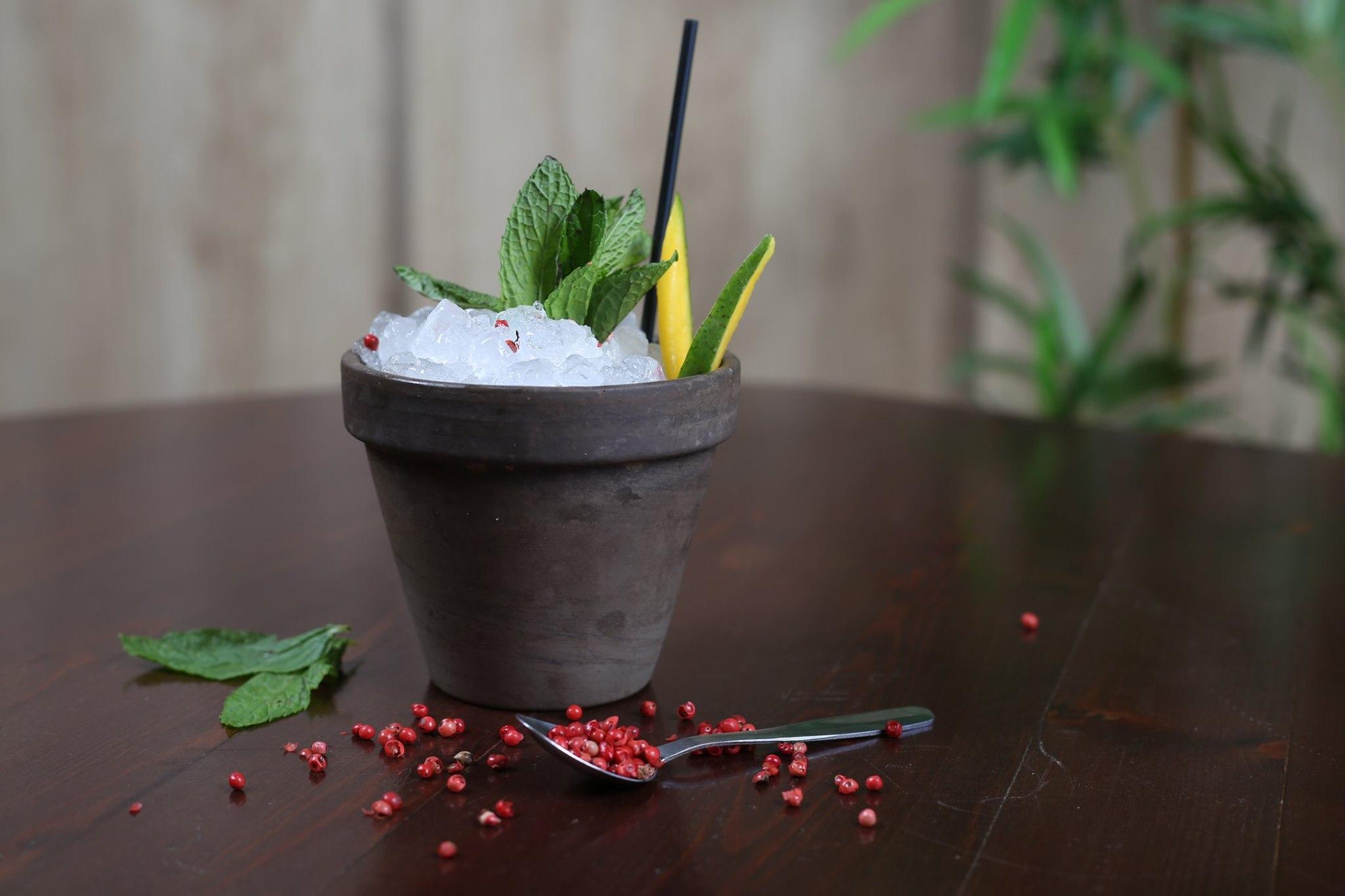 ΜΕΝΤΑ Taste & Cocktails